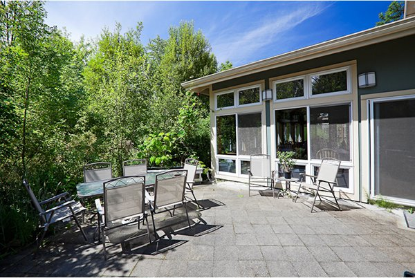LIVING IN COMMUNITY - Cascadia Commons on Cascadia Outdoor Living Spaces id=48597