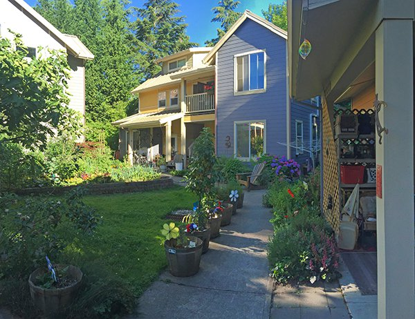 LIVING IN COMMUNITY - Cascadia Commons on Cascadia Outdoor Living Spaces id=59684